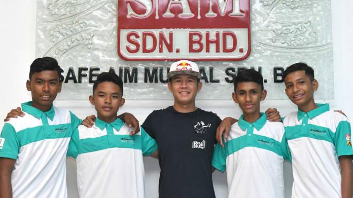 Khairul Idham Pawi Racing Academy